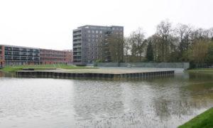 Hier stond het Huis Hengelo, nu een kunstmatig eilandje nabij de Bornsestraat